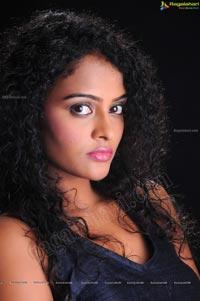 Model Sonia Ragalahari Photos