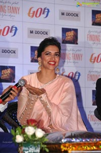 Photos: Deepika Padukone in Pink Saree