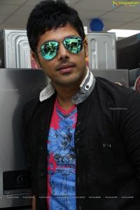 Geetha Madhuri Husband Nandu